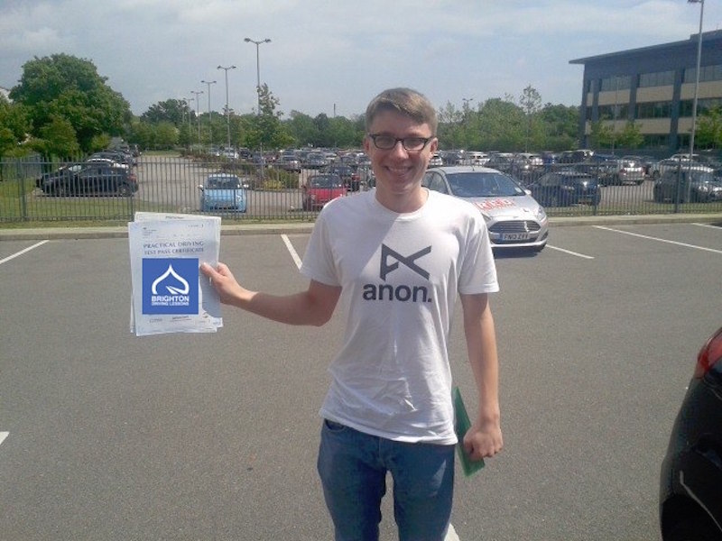 Elliott passes driving test with Brighton Driving Lessons